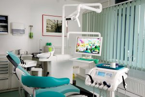 Behandlungszimmer-1